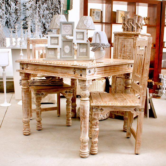 Tavolo e due Sedie in Promo disponibili presso il Garden La Primula di Siziano.
